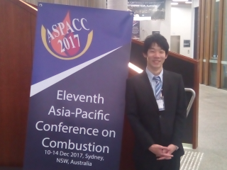 米村(M2)@11th Asia-Pacific Conference on Combustion (Sydney)